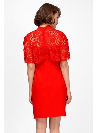 İroni Tül Detaylı Kısa Elbise Kırmızı